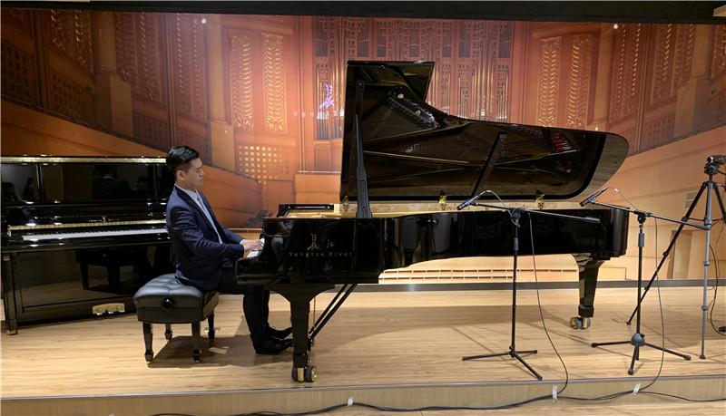 """长江钢琴艺术家齐欢云端""""琴友会"""".jpg"""