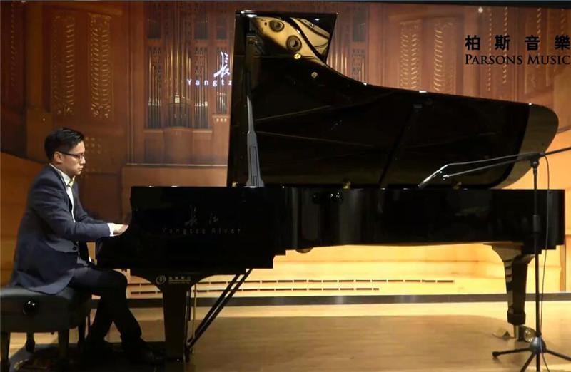 葛灏-《献给孩子们的钢琴曲》主题音乐会.jpg